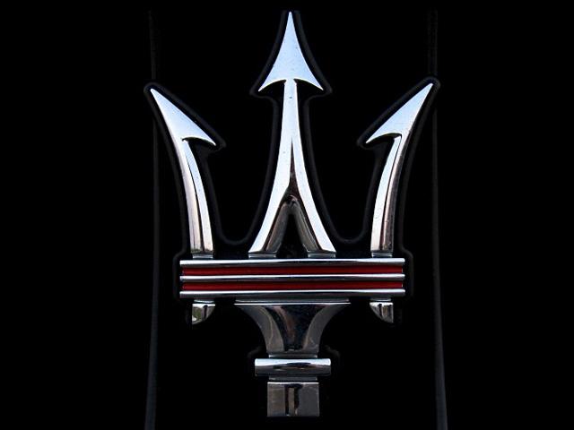 Фото с эмблемы Maserati